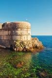 Oude de stadsmuren van Dubrovnik royalty-vrije stock afbeeldingen