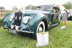 Oude Delage auto-1938 bij de auto toont Stock Afbeelding