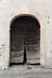 Oude deur bij het dorp van Boleto Stock Foto