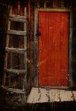 Oude deur en trap Royalty-vrije Stock Afbeeldingen
