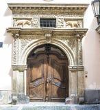 Oude deur in Praag Stock Afbeelding