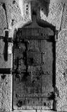 Oude deur in zwart-wit Stock Foto