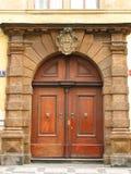 Oude deuren. Praag. Stock Afbeeldingen