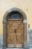 Oude deuropening in Italië royalty-vrije stock foto
