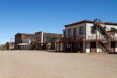 Oude die de Stadsfilm van Wilde Westennen in Arizona wordt geplaatst Stock Afbeeldingen