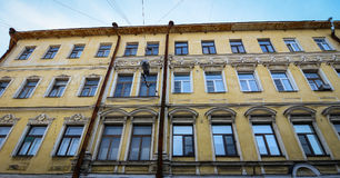 Oude die gebouwen in Vyborg, Rusland worden gevestigd Royalty-vrije Stock Foto