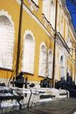 Oude die kanonnen in Moskou het Kremlin worden getoond Royalty-vrije Stock Foto