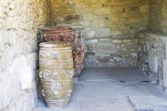 Oude die kleivazen, van antiquiteit worden bewaard Stock Afbeeldingen