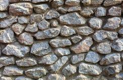 Oude die muur van grote stenen wordt gemaakt stock afbeelding