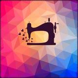 Oude die naaimachine op hipsterachtergrond van driehoeken wordt gemaakt met Stock Fotografie