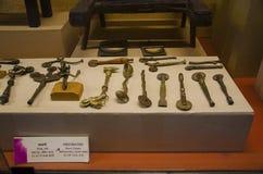 Oude die perforaters door Messing en Koper, Kelkar-Museum, Pune, Maharashtra, India wordt gemaakt stock foto