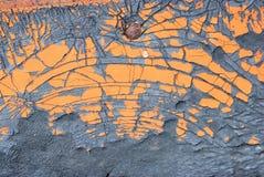 Oude die sinaasappel op barst rubbertextuur wordt geschilderd Stock Afbeeldingen