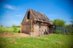 Oude dilapidated houten loods. Royalty-vrije Stock Foto