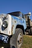 Oude dilapidated vrachtwagen Royalty-vrije Stock Afbeelding