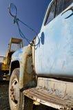 Oude dilapidated vrachtwagen Royalty-vrije Stock Foto's