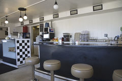 Oude diner langs rijksweg 26 van Nebraska, Royalty-vrije Stock Foto's