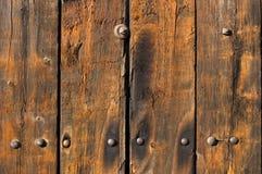 Oude doorstane en versleten houten planken Royalty-vrije Stock Foto's
