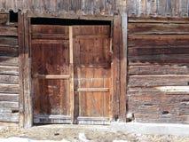 Oude doorstane houten schuur Royalty-vrije Stock Afbeelding