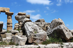 Oude Dorische Griekse tempel in Selinunte Stock Foto