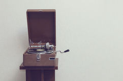 Oude draagbare grammofoon Royalty-vrije Stock Afbeelding