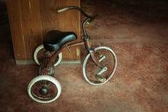 Oude driewieler Royalty-vrije Stock Afbeeldingen