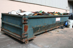 Oude dumpster Stock Foto's