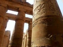 Oude Egyptische Kolommen stock afbeeldingen