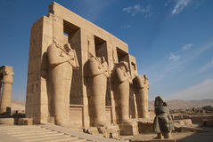 Oude Egyptische standbeelden Stock Fotografie