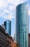 Oude en nieuwe architectuur in Frankfurt royalty-vrije stock afbeelding