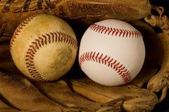 Oude en Nieuwe Baseballs Royalty-vrije Stock Foto's