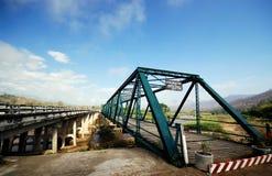 Oude en nieuwe brug royalty-vrije stock afbeeldingen