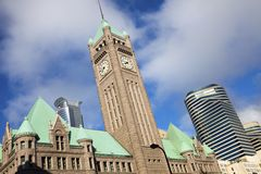 Oude en nieuwe gebouwen in Minneapolis Stock Afbeeldingen