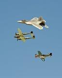 Oude en nieuwe vechtersvliegtuigen Royalty-vrije Stock Foto's