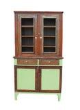 Oude en versleten houten geïsoleerdeo kast. Stock Foto