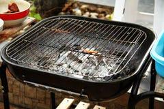 Oude en vuile het fornuisscène van de grillbarbecue Royalty-vrije Stock Foto