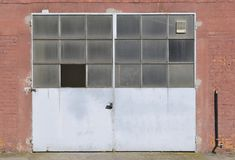 Oude fabrieksdeur Royalty-vrije Stock Foto's