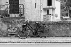 Oude fiets Royalty-vrije Stock Afbeeldingen