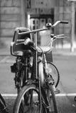 Oude fiets royalty-vrije stock fotografie