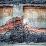 Oude Fiets, het Stadsleven Stock Afbeeldingen