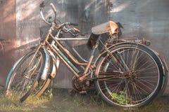 Oude fietsen Royalty-vrije Stock Afbeeldingen