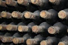 Oude flessen van wijnstok royalty-vrije stock foto