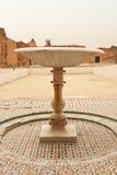 Oude fontein in het Paleis van Gr Badi Royalty-vrije Stock Afbeeldingen