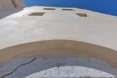 Oude fortingang, voorouderlijke architectuur Santorini Griekenland Stock Foto