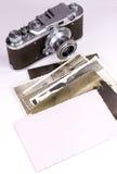 Oude foto en camera royalty-vrije stock fotografie