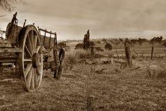 Oude foto van wagen of kar stock foto's