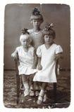 Oude foto van zusters royalty-vrije stock foto's