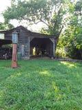 Oude garage van yesterday royalty-vrije stock afbeelding