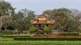 Oude Gazebo in de tuin van de Verboden stad, Keizerstad binnen de Citadel, Tint, Vietnam stock afbeelding