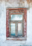 Oude gebarsten grunge muur en vensterachtergrond Royalty-vrije Stock Foto