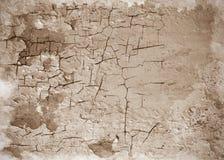 Oude gebarsten muurtextuur als achtergrond Stock Afbeeldingen